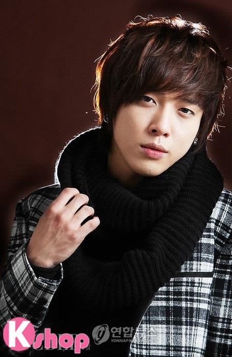 Những kiểu tóc nam đẹp lãng mạn lịch lãm mang phong cách Hàn Quốc phần 12