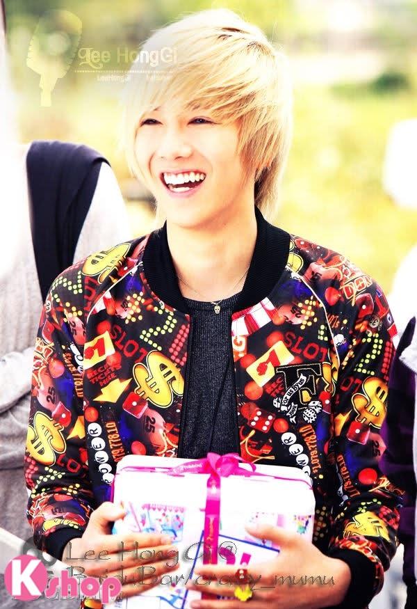 Những kiểu tóc nam đẹp lãng mạn lịch lãm mang phong cách Hàn Quốc phần 15