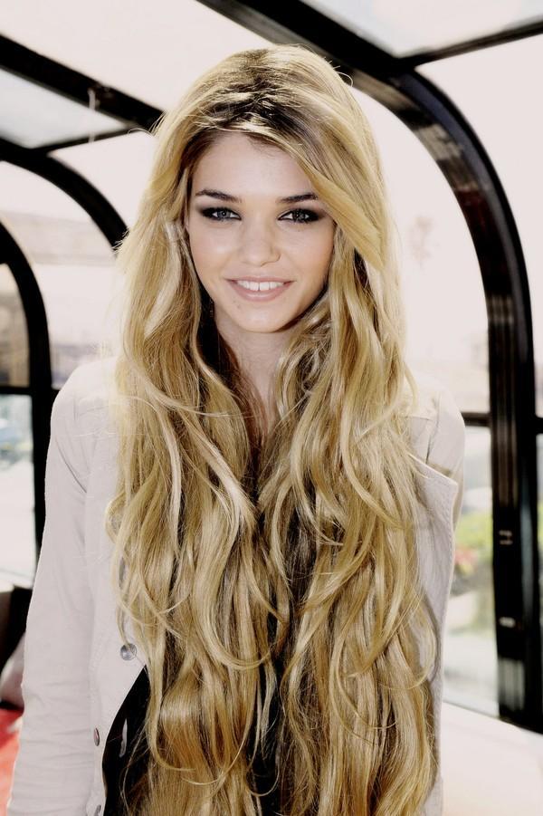 Những kiểu tóc xoăn đẹp cho bạn gái xinh xắn xuống phố hè 2016 phần 9