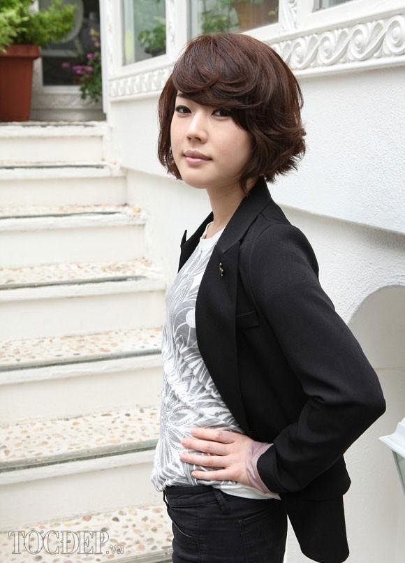 Những kiểu tóc ngắn mái lệch uốn xoăn đẹp Hàn Quốc hot nhất 2017 phần 11