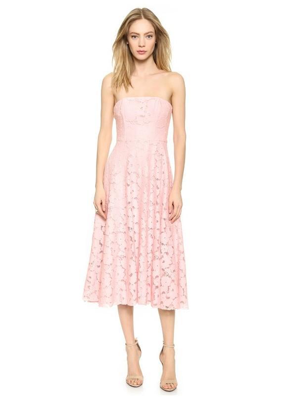 Những kiểu váy ren đẹp hot nhất hiện nay cho quý cô sang trọng đi dự tiệc phần 3