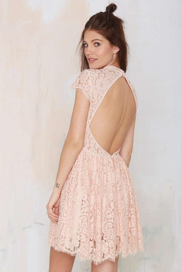 Những kiểu váy ren đẹp hot nhất hiện nay cho quý cô sang trọng đi dự tiệc phần 9
