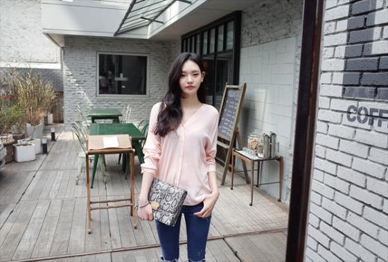 Áo sơ mi nữ công sở đẹp Hàn Quốc cho bạn gái hơi gầy vai ngang hè 2017 phần 15