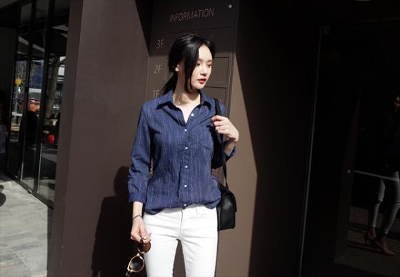 Áo sơ mi nữ công sở đẹp Hàn Quốc cho bạn gái hơi gầy vai ngang hè 2017 phần 3