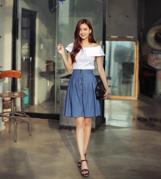 Áo sơ mi nữ trễ vai đẹp kiểu Hàn Quốc hè 2017 quyến rũ hơn khi dạo phố phần 4