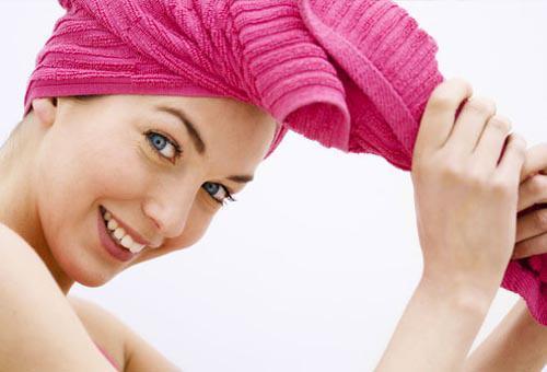 10 Thói quen nguy hiểm khiến mái tóc dài suông mượt trở nên xơ xác gãy rụng phần 7