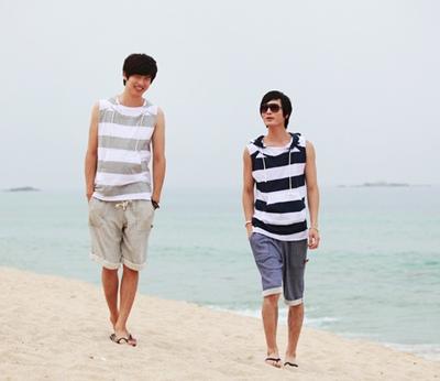 Áo thun nam đi biển đẹp cho chàng trai cá tính khoe body dưới nắng hè phần 10