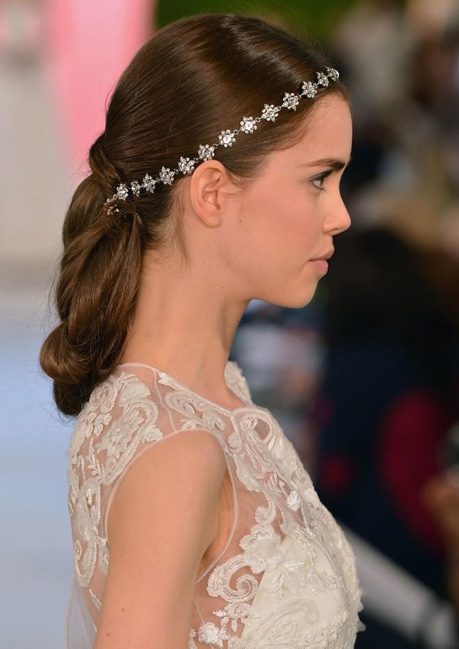 6 kiểu tóc buông dài đẹp duyên dáng nữ tính cho cô dâu ngày cưới phần 16