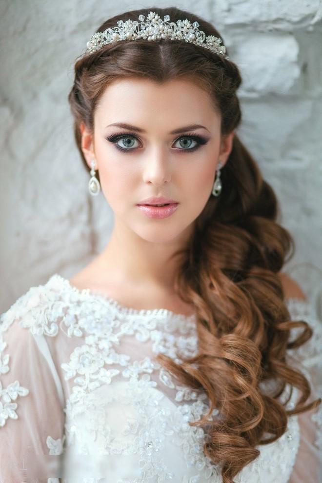6 kiểu tóc buông dài đẹp duyên dáng nữ tính cho cô dâu ngày cưới phần 9