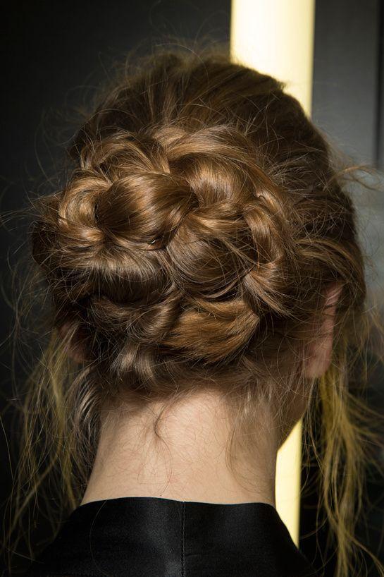 9 kiểu tóc búi cực xinh cho nàng tha hồ biến tấu sành điệu mỗi ngày đến chốn sở làm phần 11