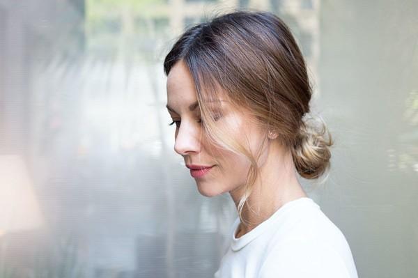 9 kiểu tóc búi cực xinh cho nàng tha hồ biến tấu sành điệu mỗi ngày đến chốn sở làm phần 17