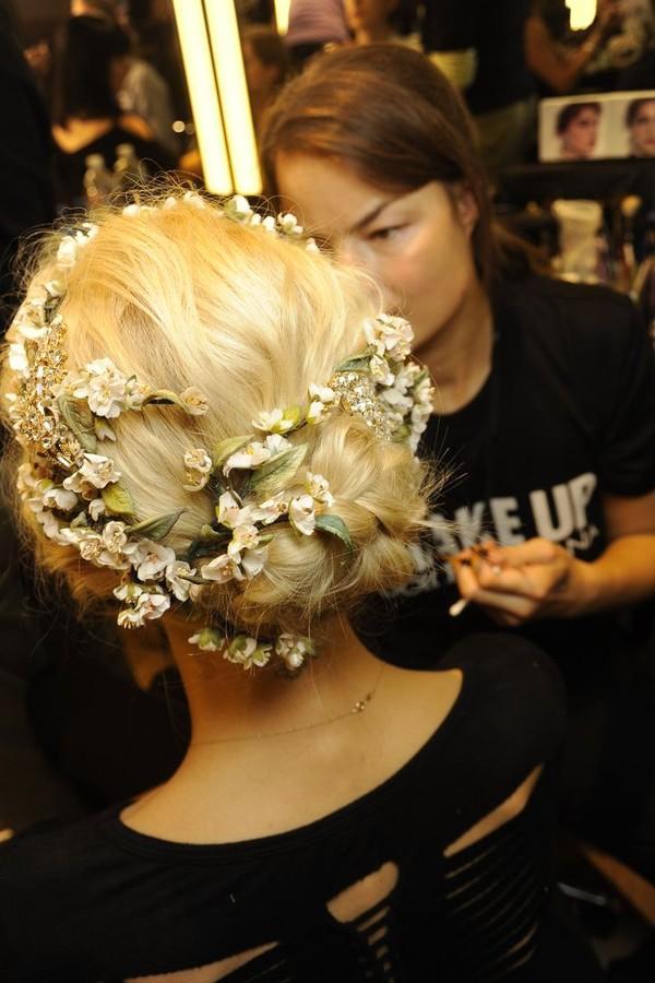 9 kiểu tóc búi cực xinh cho nàng tha hồ biến tấu sành điệu mỗi ngày đến chốn sở làm phần 19