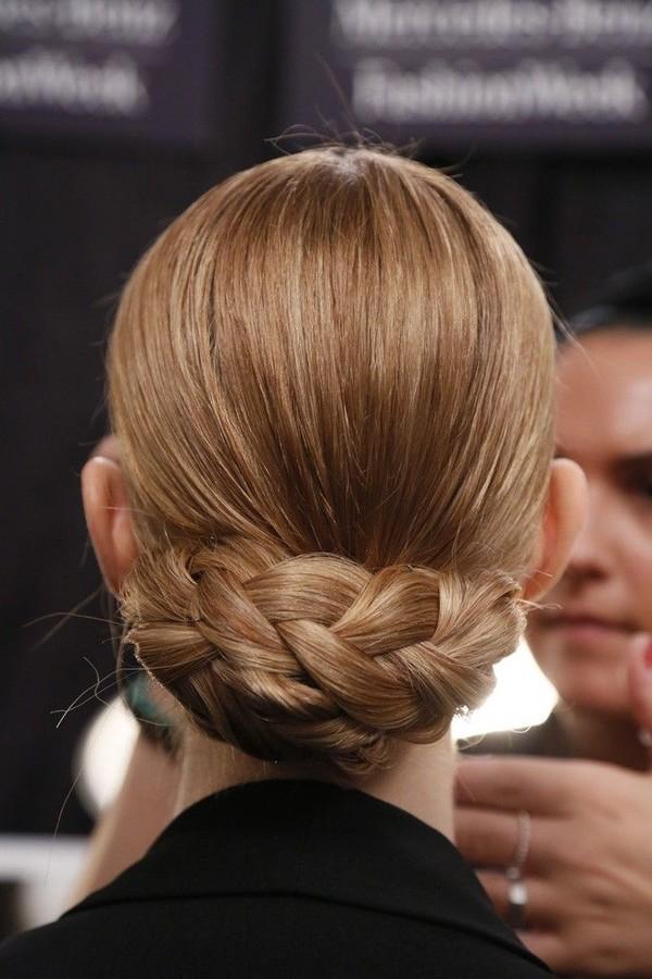 9 kiểu tóc búi cực xinh cho nàng tha hồ biến tấu sành điệu mỗi ngày đến chốn sở làm phần 9