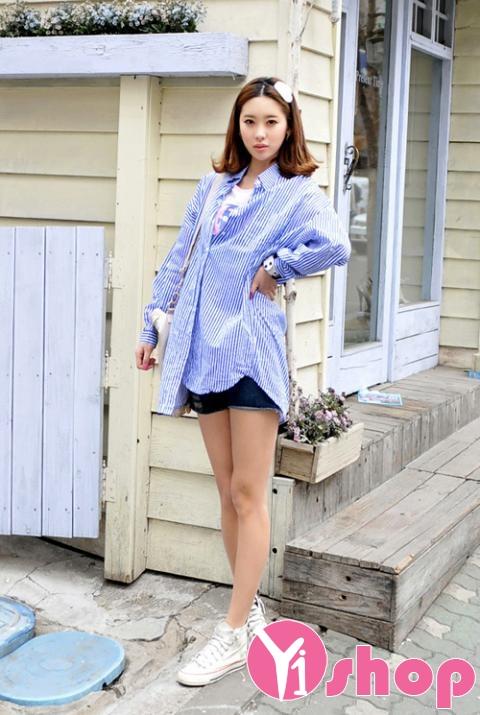 Kiểu áo sơ mi nữ dáng dài đẹp nổi bật và bắt mắt trên phố mùa hè 2017 phần 17