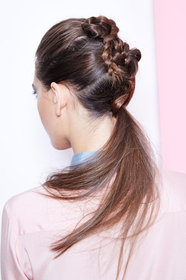 Hướng dẫn 5 cách làm kiểu tóc đuôi ngựa đẹp cho nàng sành điệu dạo phố cuối tuần hè 2015 phần 1