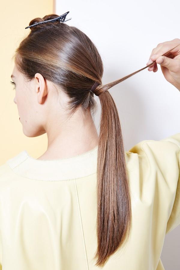 Hướng dẫn 5 cách làm kiểu tóc đuôi ngựa đẹp cho nàng sành điệu dạo phố cuối tuần hè 2015 phần 30