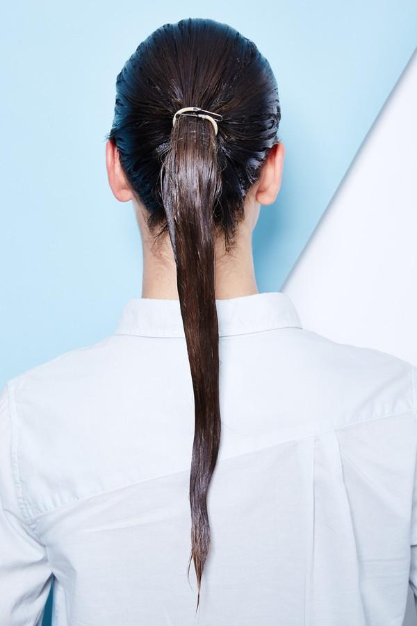 Hướng dẫn 5 cách làm kiểu tóc đuôi ngựa đẹp cho nàng sành điệu dạo phố cuối tuần hè 2015 phần 36