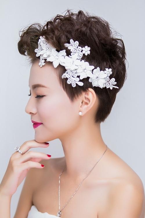 13 kiểu tóc ngắn cô dâu đẹp quyến rũ gây ấn tượng mạnh mọi người phần 4