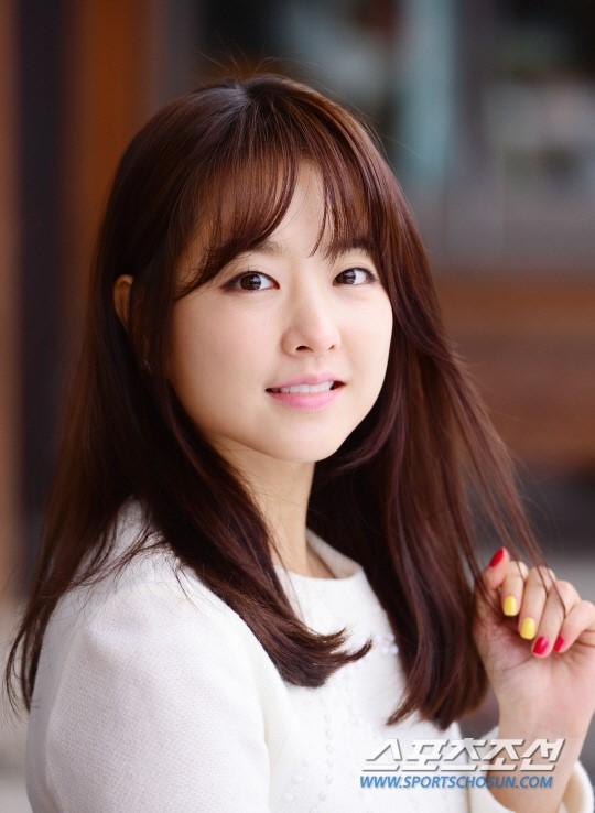 Màu tóc nhuộm nâu hạt dẻ dịu đẹp 2017 sao kpop Hàn Quốc phần 14