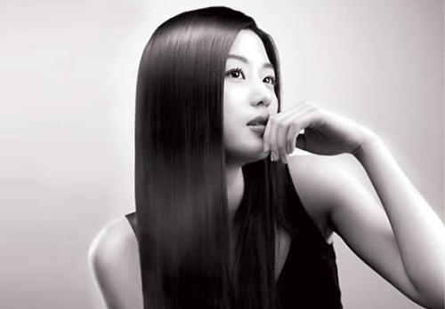 Chăm sóc và phục hồi tóc hư tổn trở nên óng mượt bằng bồ kết phần 2
