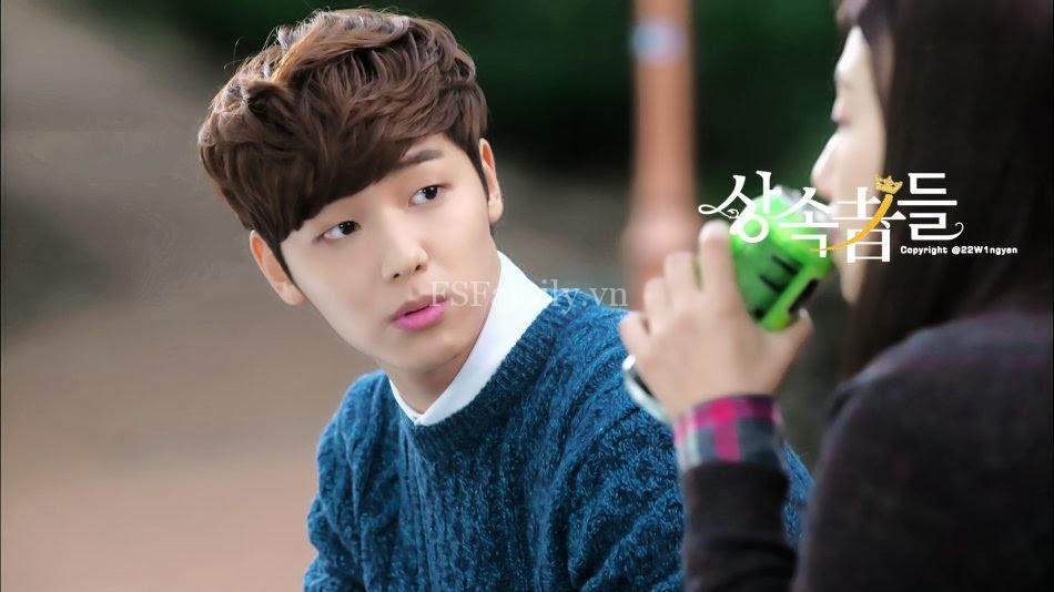 Kiểu tóc nam xoăn tuyệt đẹp cho chàng trẻ trung như sao kpop Hàn Quốc phần 4