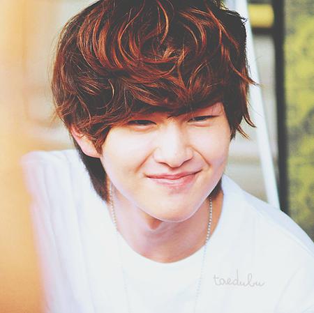 Kiểu tóc nam xoăn tuyệt đẹp cho chàng trẻ trung như sao kpop Hàn Quốc phần 9