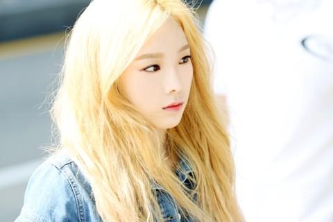 Màu tóc nhuộm vàng bạch kim đẹp của sao Hàn Quốc năm 2017 phần 12