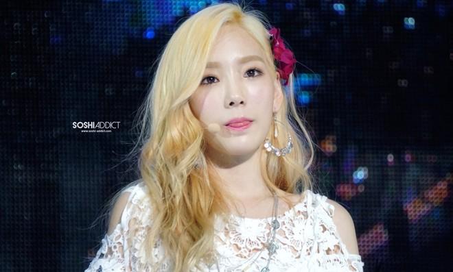 Màu tóc nhuộm vàng bạch kim đẹp của sao Hàn Quốc năm 2017 phần 14
