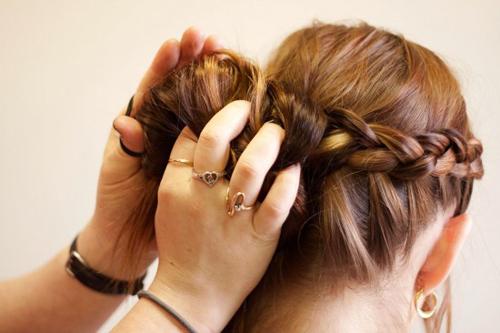 Cách tết tóc búi đẹp đơn giản tại nhà cho bạn gái 2016 phần 12
