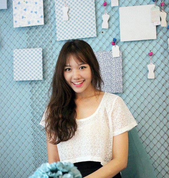BST 14 kiểu tóc uốn xoăn retro đẹp Hari Won ưa chuộng hè 2017 phần 3