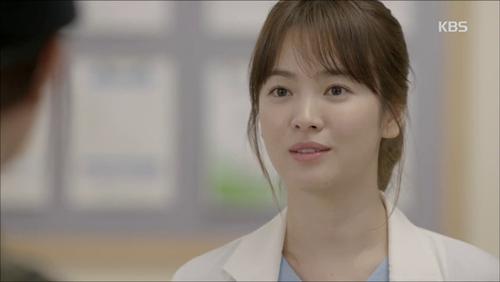 Những kiểu tóc đẹp của Song Hye Kyo trong Hậu duệ mặt trời 2016 phần 2
