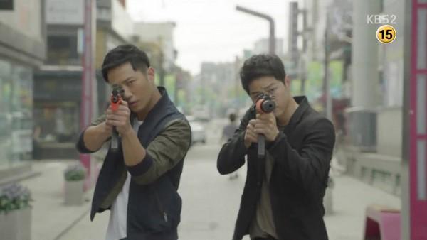 Kiểu tóc nam cắt ngắn đẹp của Song Joong Ki trong phim Hậu duệ mặt trời phần 12