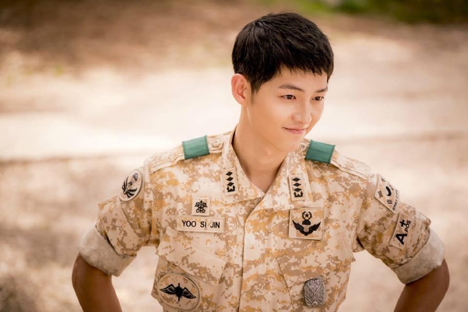 Kiểu tóc nam cắt ngắn đẹp của Song Joong Ki trong phim Hậu duệ mặt trời phần 13