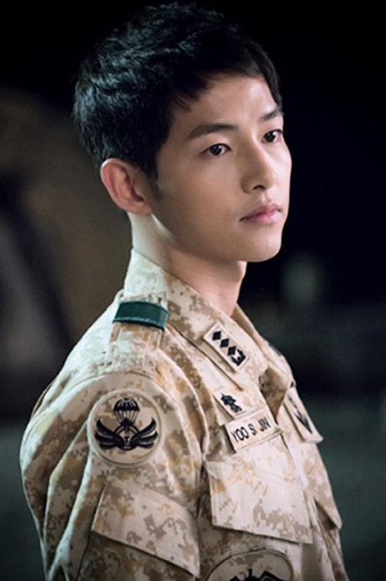 Kiểu tóc nam cắt ngắn đẹp của Song Joong Ki trong phim Hậu duệ mặt trời phần 2