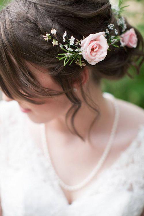 Tóc cô dâu cài hoa đẹp hot nhất trong mùa cưới năm nay 2016 phần 11