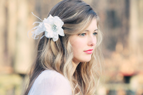 Tóc cô dâu cài hoa đẹp hot nhất trong mùa cưới năm nay 2016 phần 2