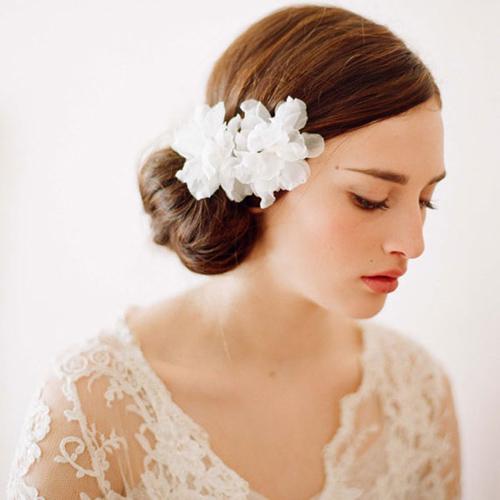 Tóc cô dâu cài hoa đẹp hot nhất trong mùa cưới năm nay 2016 phần 7
