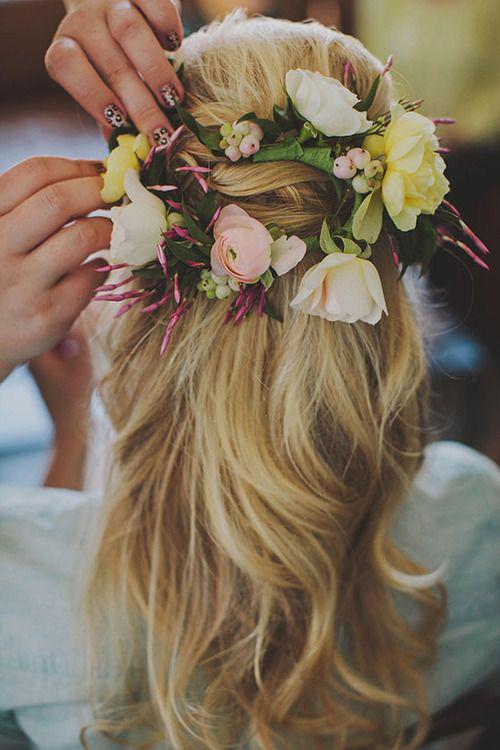 Tóc cô dâu cài hoa đẹp hot nhất trong mùa cưới năm nay 2016 phần 9