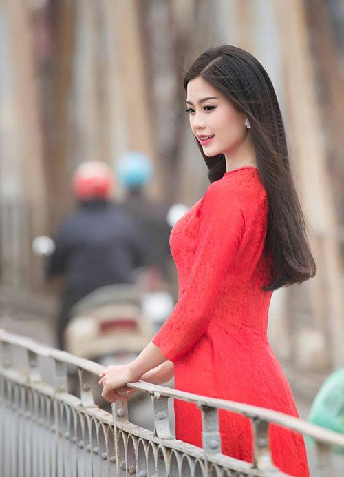 Tóc dài duỗi thẳng đẹp mượt mà nhất hiện nay của sao Việt 2016 phần 3