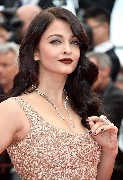 10 kiểu tóc đẹp nhất 2017 trên thảm đỏ LHP Cannes phần 2
