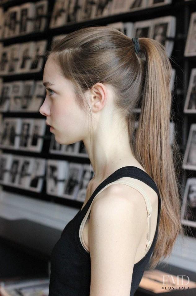 Tiết lộ 4 cách chăm sóc làm đẹp tóc cực đơn giản của các siêu mẫu thế giới phần 1