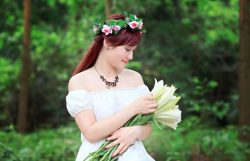 Bật mí kiểu tóc cô dâu đẹp 2016 - 2017 cho nàng khuôn mặt tròn lộng lẫy nhất phần 1