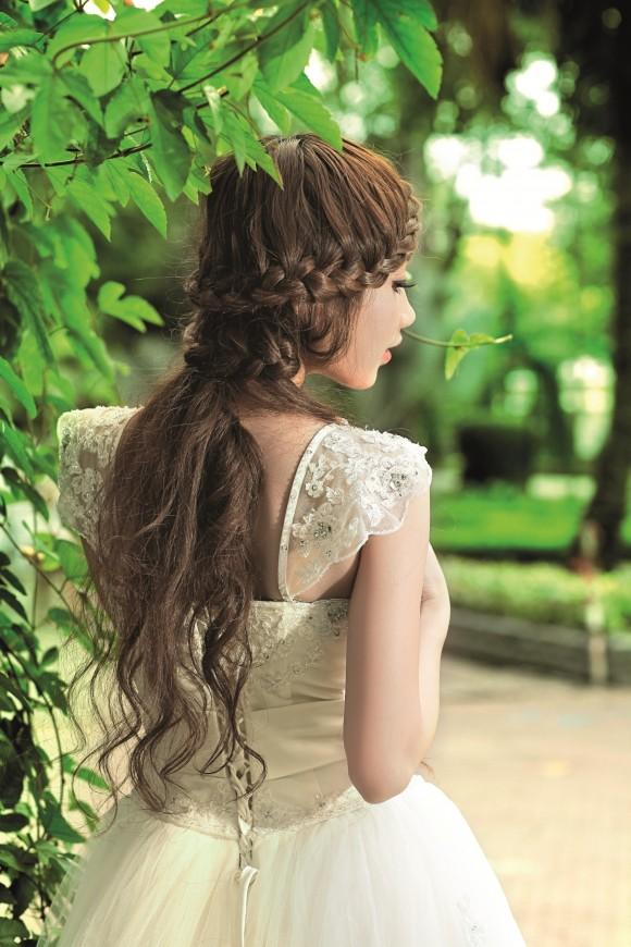Bật mí kiểu tóc cô dâu đẹp 2016 - 2017 cho nàng khuôn mặt tròn lộng lẫy nhất phần 2