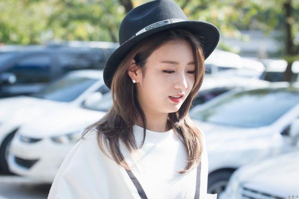 Xu hướng tóc tỉa layer đẹp giống Suzy khiến con gái Hàn chết mê chết mệt phần 15