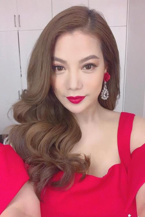 Màu tóc nhuộm vàng khói đẹp 2017 được Ngọc Trinh và sao Việt ưa chuộng phần 7