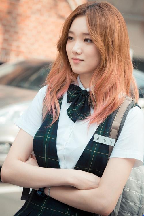 Muôn kiểu tóc rẽ ngôi giữa đẹp đang được mỹ nhân Hàn lăng xê 2017 phần 1