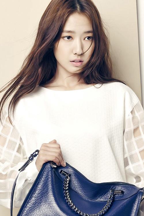 Muôn kiểu tóc rẽ ngôi giữa đẹp đang được mỹ nhân Hàn lăng xê 2017 phần 3