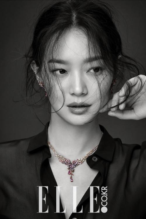 Muôn kiểu tóc rẽ ngôi giữa đẹp đang được mỹ nhân Hàn lăng xê 2017 phần 5