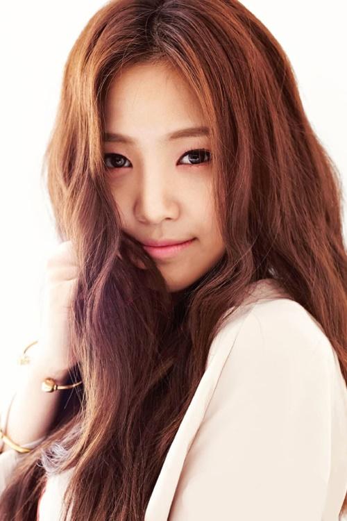 Muôn kiểu tóc rẽ ngôi giữa đẹp đang được mỹ nhân Hàn lăng xê 2017 phần 8