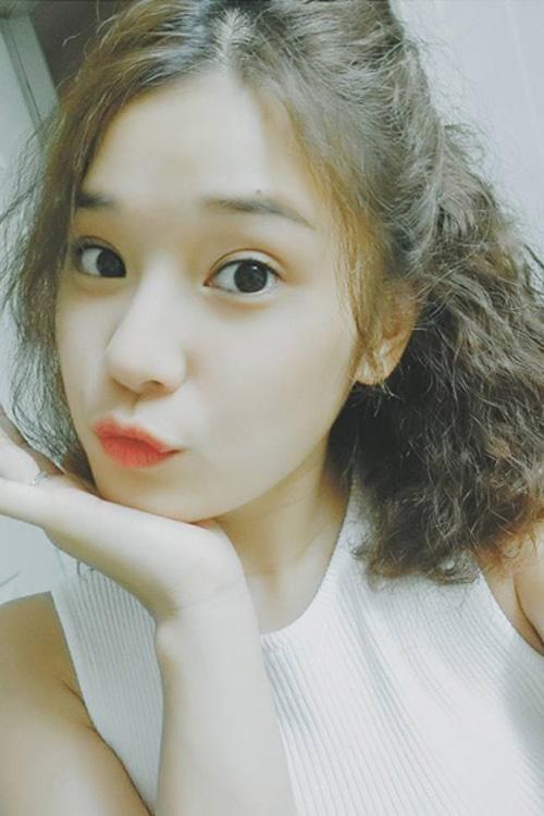 Ngắm mốt tóc xoăn bà thím đẹp khiến sao Việt mê mẩn 2017 phần 5